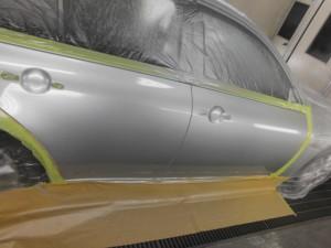 日産スカイライン ドアの凹み修理