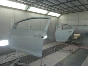 トヨタBELTA 左側面の損傷修理