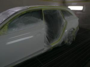 アウディA4クワトロ 鈑金塗装
