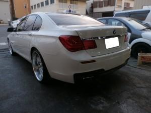 BMW 750 鈑金塗装