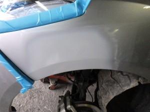 デミオ 左フロントフェンダー板金(鈑金)塗装/自費修理