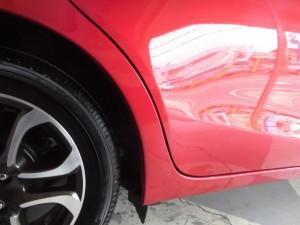 マツダデミオ タイヤアーチ部位の損傷
