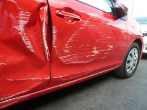 アクア 自損事故