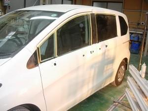ホンダ フリード(GB3) 建築塗装飛び 磨き修理