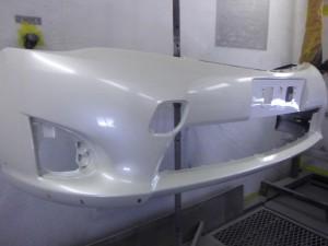 新品フロントバンパー塗装 カローラフィールダーハイブリッド