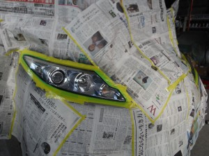 埼玉県春日部市:エスティマハイブリッド ヘッドライト黄ばみ再生