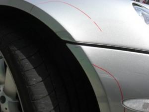 マクラーレンSLR カーボン製部品のコスリキズ修理 ボンネット等