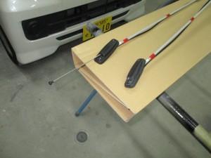 車のアンテナが折れてしまい交換