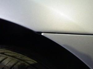 【不適切修理】フロントフェンダーの鈑金塗装