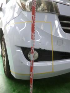 トヨタbB(QNC21) フロントバンパー交換