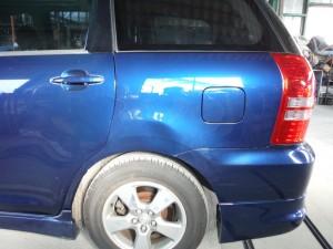トヨタ ウィッシュ左側面修理