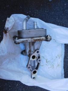 ニッサン エクストレイル(TNT31) エンジンオイル漏れ修理