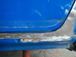 鴻巣市 ルノー・カングー 左スライドドア、左サイドステップ板金塗装修理