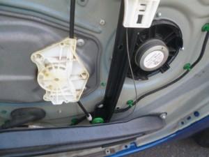 VWゴルフ ドアガラスレギュレータ モータ 交換