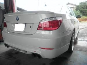 BMW E60 リヤバンパ修理