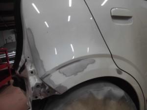 スズキアルト ヘコミの板金塗装修理