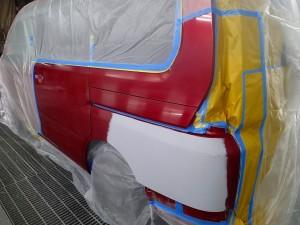 埼玉県桶川市/セレナ左リヤフェンダー板金・修理・塗装
