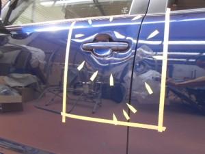 カローラルミオン ドアの凹み板金塗装