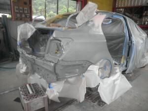 アクシオHV追突被害車