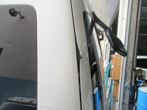 トヨタ ハイエースグランドキャビン リヤゲート鈑金修理塗装 埼玉県川口市